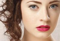 Makeup-tips-dark-lipstick-side