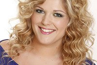 Hairstyling-how-to-creating-curls-with-a-curling-wand-side