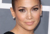 Celebrity-hairstyles-who-wore-it-better-side