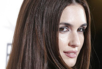 Paz-vega-hairstyles-and-makeup-side