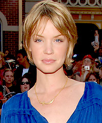 Ashley Scott hairstyles
