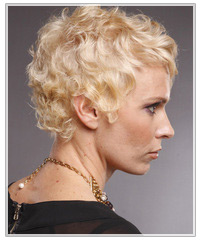 Model with short blonde wavy hair