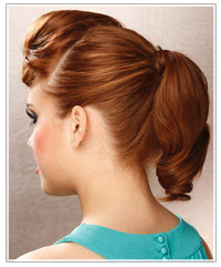 Model with ponytail upstyle