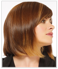 Model with medium length bob