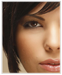 Model with brown hair and espresso eye shadow