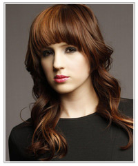 Model with two-tone brown hair
