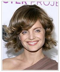 Mena Suvari hairstyles