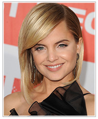 Awe Inspiring Hairstyles For High Foreheads Hairstyles Thehairstyler Com Short Hairstyles Gunalazisus