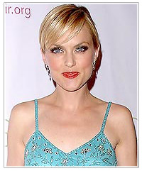 Elaine Hendrix with short straight hair