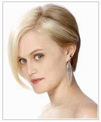 Model with short blonde bob