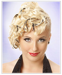 Model with blonde hair and black highlights