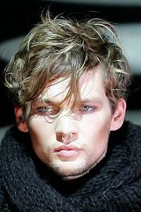 Textured men's hairstyle