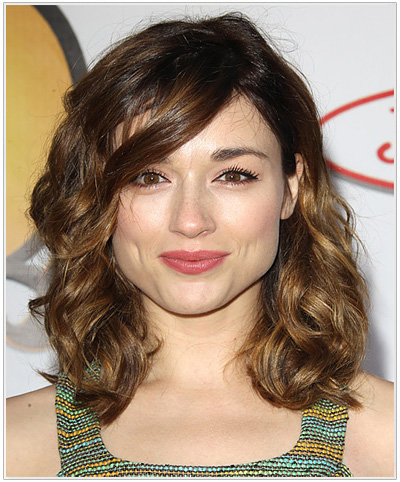 Crystal Reed hairstyle