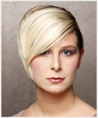 Model with a two tone short hairstyle