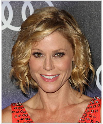 Julie Bowen Medium Wavy Hairstyle