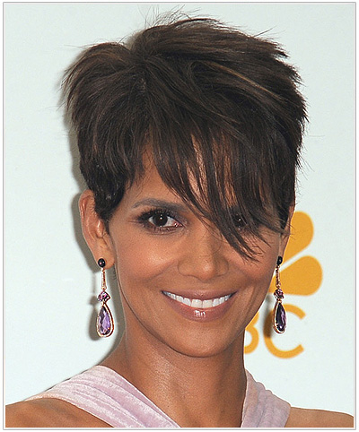 Halle Berry Short Straight Pixie Hairstyle