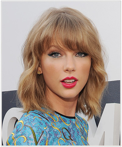 Taylor Swift Medium Wavy Hairstyle