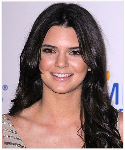 Kendall Jenner Long Wavy Hairstyle