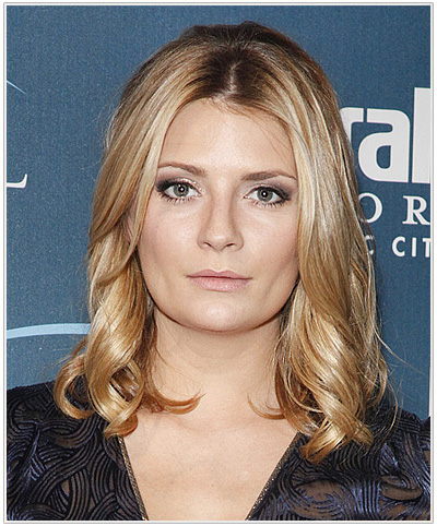 Mischa Barton Medium Wavy Hairstyle for Round Face Shapes