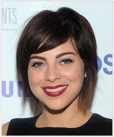 Krysta Rodriguez Short Straight Hairstyle for Round Face Shapes