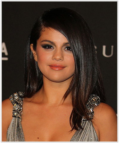 Selena Gomez side-parted Hairstyle