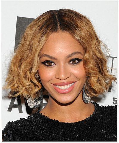 Beyonce Short Wavy Center-Parted Bob Hairstyle