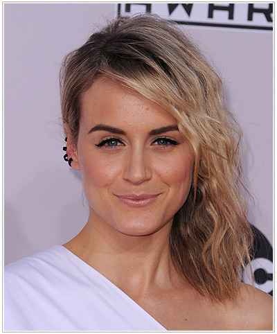 Taylor Schilling Medium Wavy Side Parted Hairstyle