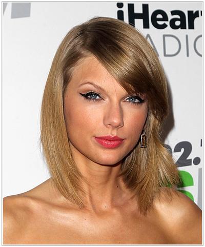 Taylor Swift Medium Straight Hairstyle.