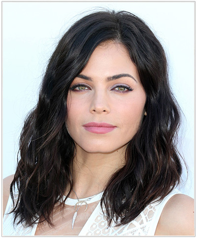 Jenna Dewan Medium Wavy Hairstyle.