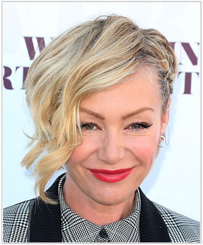 Portia De Rossi Wavy Half Up Hairstyle.