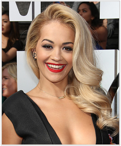 Rita Ora Long Wavy Hairstyle.