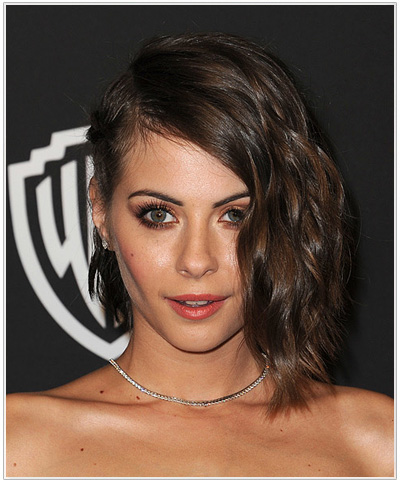 Willa Holland Medium Wavy Hairstyle.