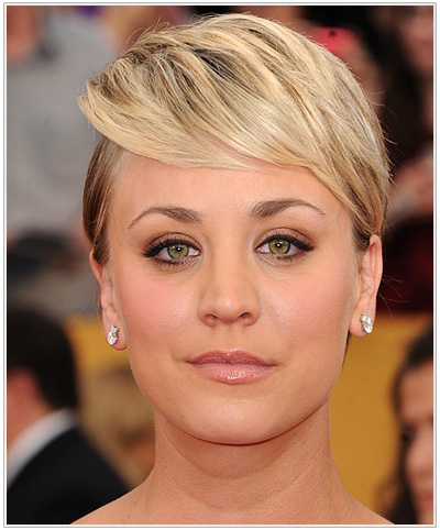 Kaley Cuoco Short Straight Hairstyle.
