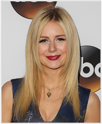 Justine Lupe Long Straight Hairstyle.