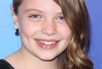 Madison-moeller-hairstyle-and-makeup-for-pre-teens-side