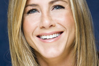 California-girl-makeup-jennifer-aniston-side