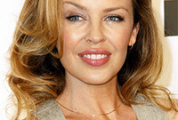 Kylie-minogue-makeup-side