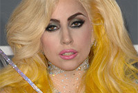Lady-gagas-outrageous-makeup-side
