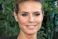 Heidi-klum-sexy-model-makeup-side