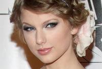 Taylor-swifts-doe-eyed-makeup-side