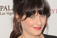 Zooey-deschanels-hairstyles-for-a-long-fringe-side