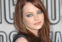 Emma-stones-makeup-for-auburn-hair-side