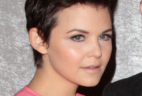Ginnifer-goodwins-dewy-makeup-side