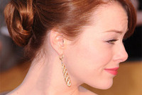 Emma-stone-red-carpet-look-at-the-2012-sag-awards-side