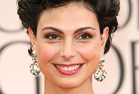 Morena-baccarin-golden-globe-look-side