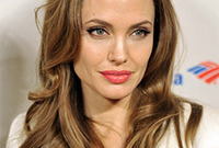 Angelina-jolie-classic-hair-and-makeup-side