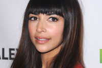 Hannah-simone-long-hair-with-bangs-side