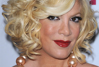 Tori-spelling-hairstyles-which-one-suits-her-the-best-side
