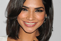Alejandra-espinoza-makeup-tips-for-latinas-side