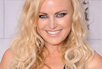 Malin-akerman-seductive-smokey-eye-side